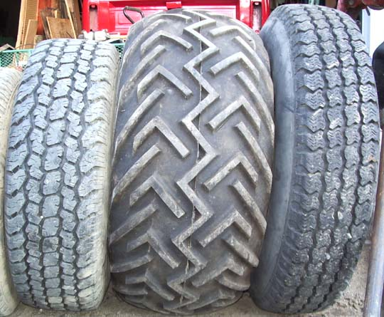 Goodyear High Floatation Terra Tires http://www.pirate4x4.com/forum/suzuki/485697-escape-pod.html
